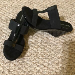Women's Black heels sandals. Size 8.5
